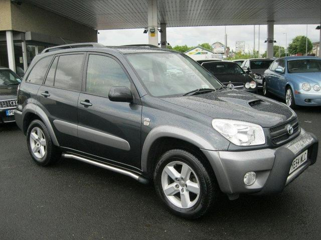 toyota rav4 2 0 d 4d 4x4 photos and comments www. Black Bedroom Furniture Sets. Home Design Ideas