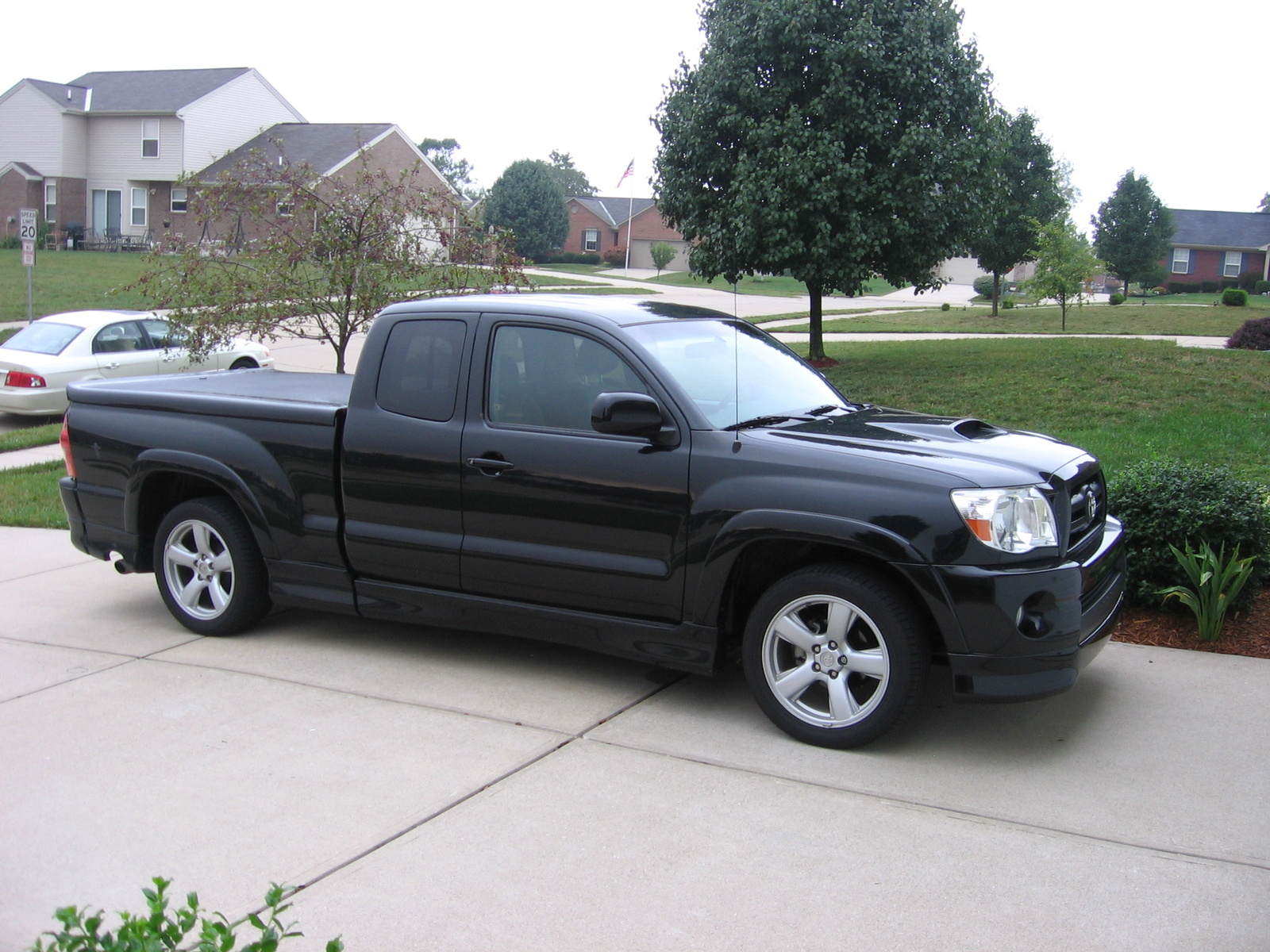 toyota tacoma x-runner-pic. 3