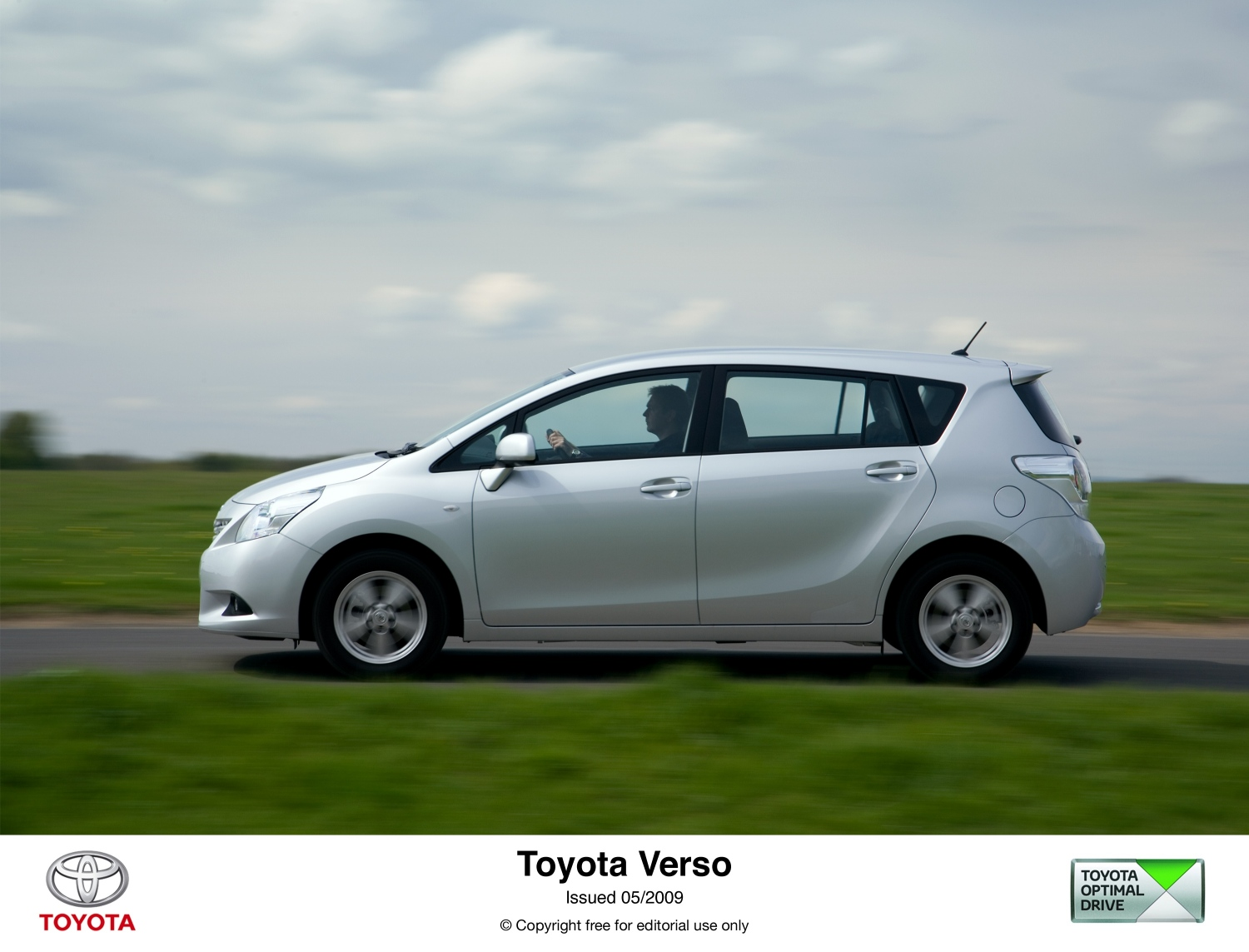 toyota verso 2.2 d-cat-pic. 1