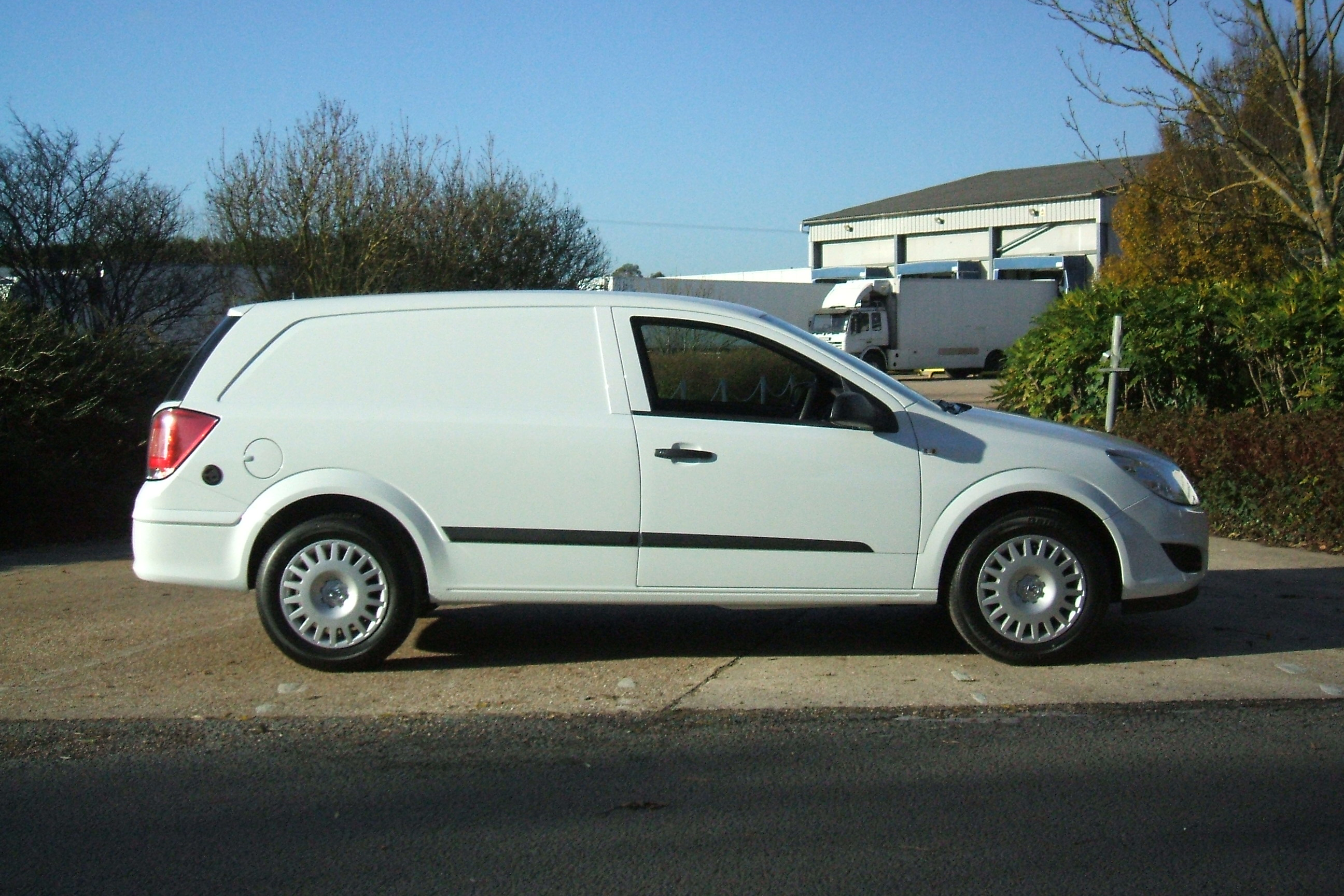 Vauxhall Astra Van Photos And Comments Www Picautos Com