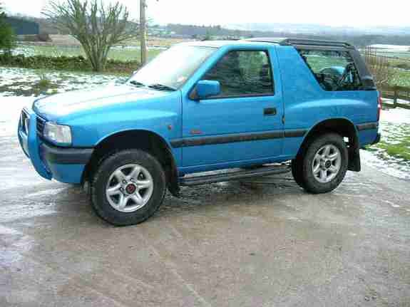 vauxhall frontera sport photos and comments. Black Bedroom Furniture Sets. Home Design Ideas