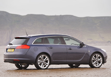 vauxhall insignia sports tourer-pic. 2