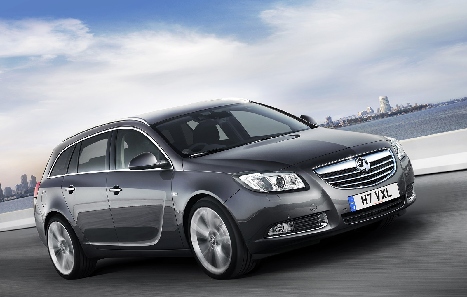 vauxhall insignia sports tourer-pic. 3