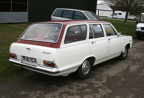 vauxhall victor 101 estate-pic. 1