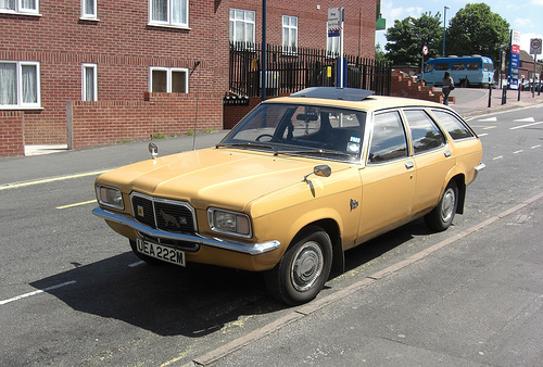 vauxhall victor 2300-pic. 2