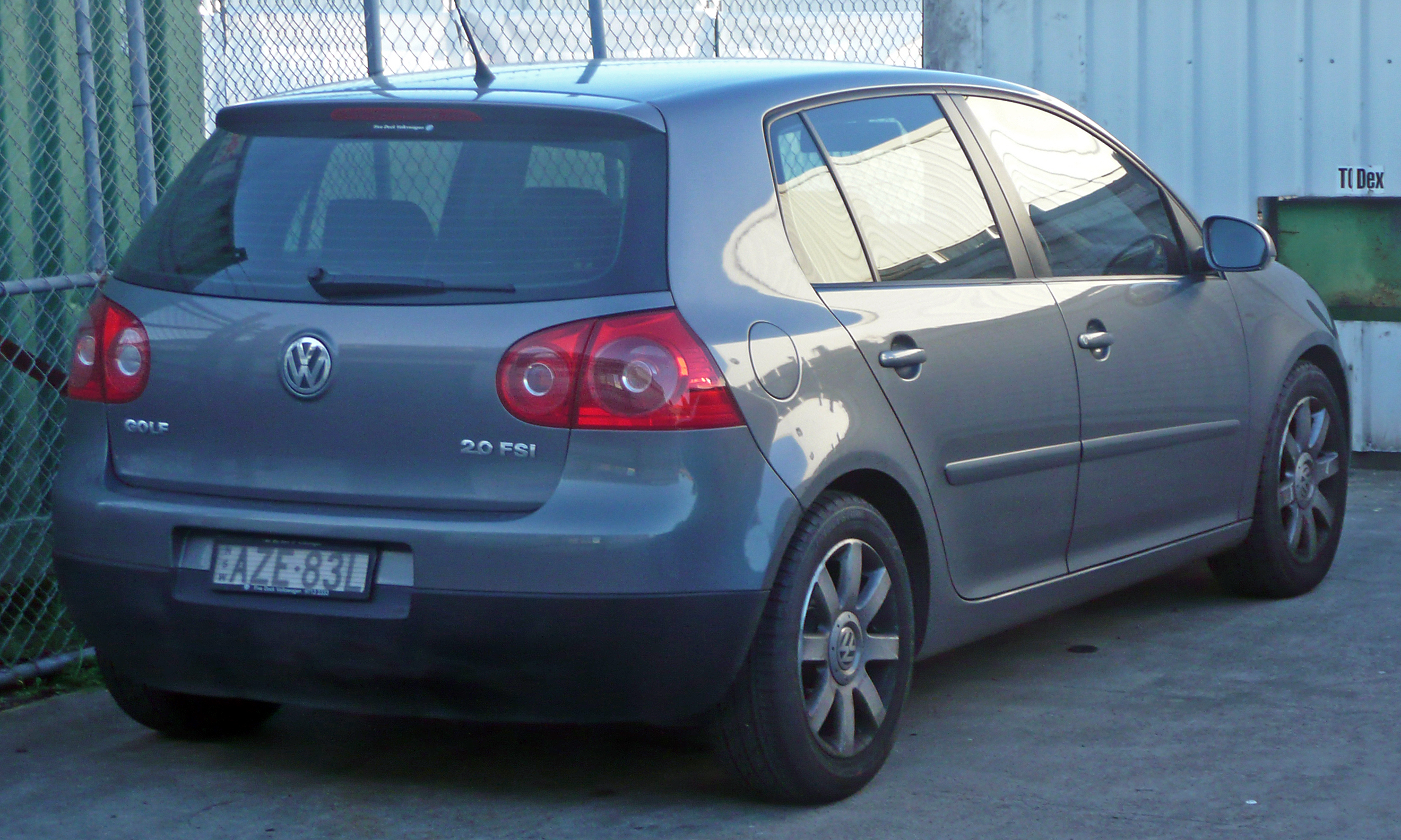 volkswagen golf 5 2 0 fsi sportline photos and comments. Black Bedroom Furniture Sets. Home Design Ideas