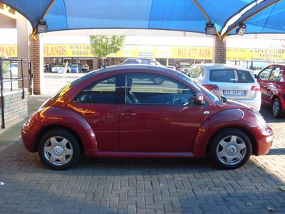 volkswagen new beetle 2.0 highline-pic. 1