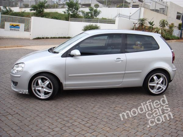 volkswagen polo 1 9 tdi sportline photo 5580 complete collection of photos of the volkswagen. Black Bedroom Furniture Sets. Home Design Ideas