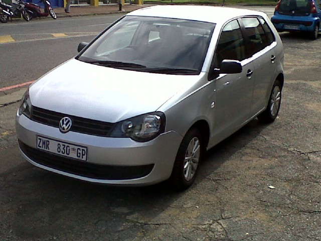 Volkswagen polo vivo 1 6 trendline photos and comments for Polo 7 interieur trendline