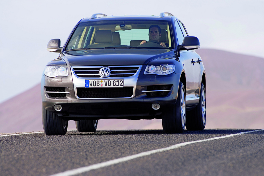 volkswagen touareg 5 0 v10 tdi tiptronic photos and comments. Black Bedroom Furniture Sets. Home Design Ideas