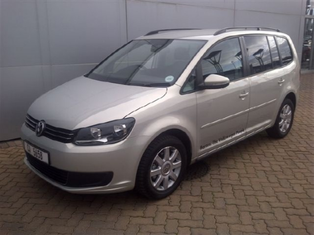 volkswagen touran 2 0 tdi comfortline photos and comments. Black Bedroom Furniture Sets. Home Design Ideas