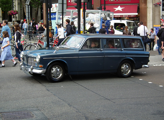 volvo 121 estate #3