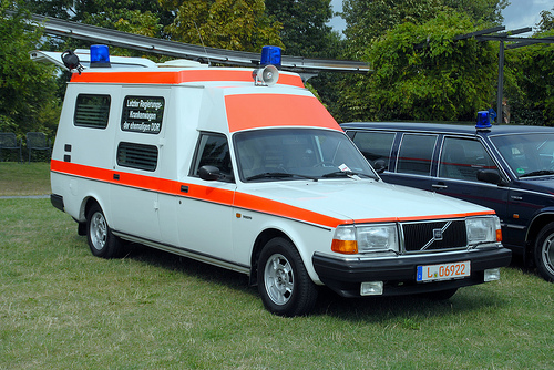 volvo 240 ambulance-pic. 2