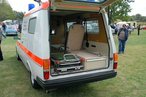 volvo 240 ambulance-pic. 3