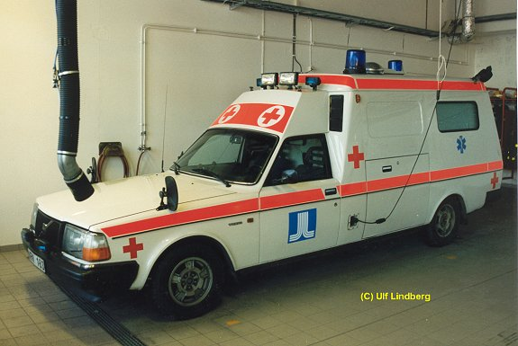 volvo 240 ambulans-pic. 1