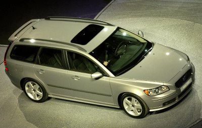 volvo v50 t5 awd kinetic-pic. 3