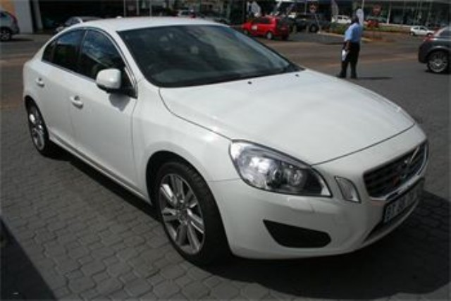 volvo v60 d3 geartronic-pic. 2