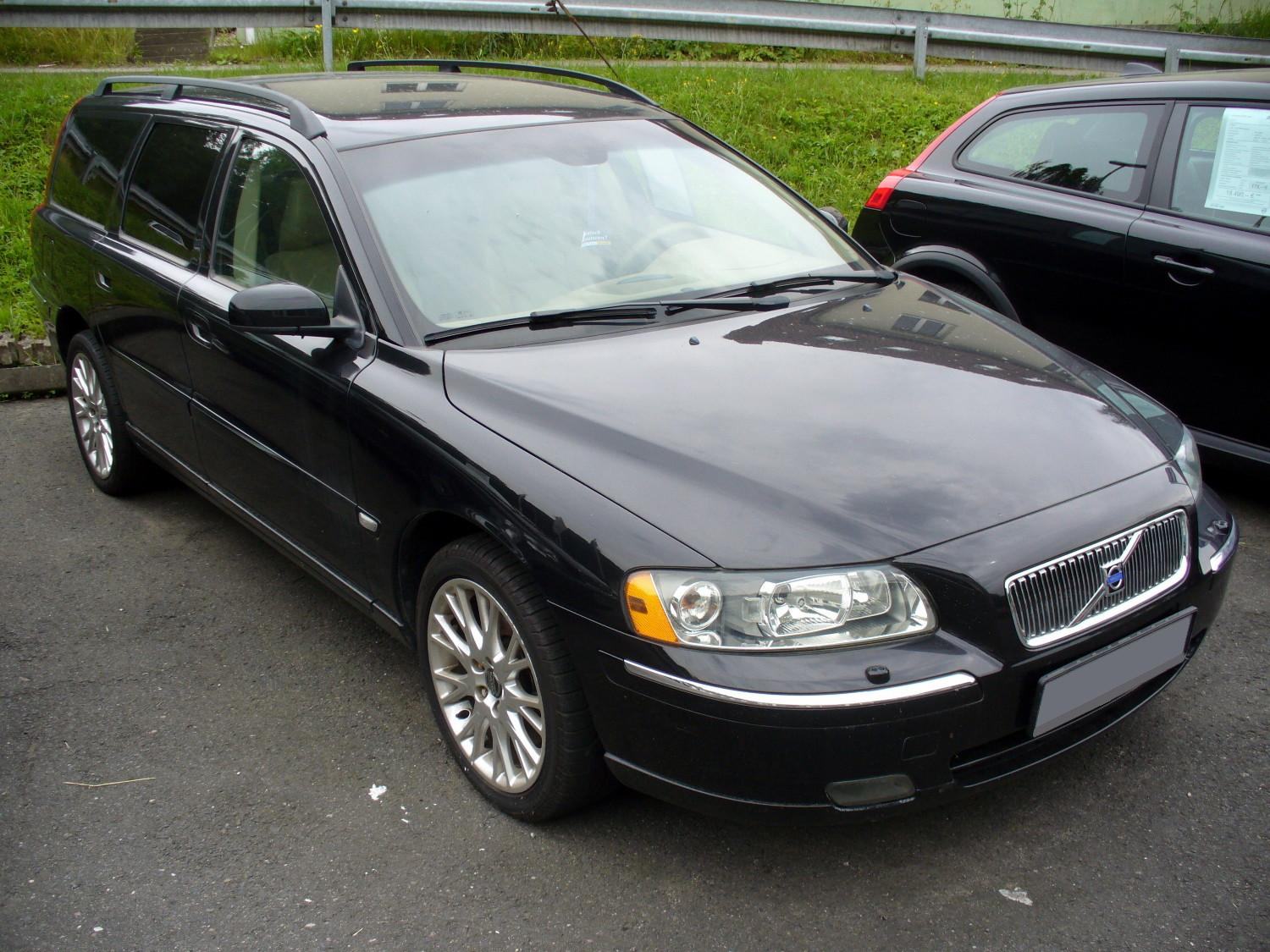 volvo v70 d5 photos and comments. Black Bedroom Furniture Sets. Home Design Ideas
