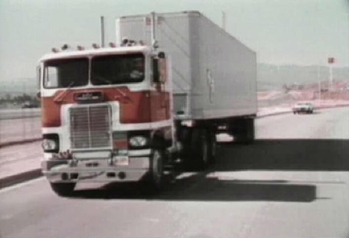 white-freightliner wft-pic. 1