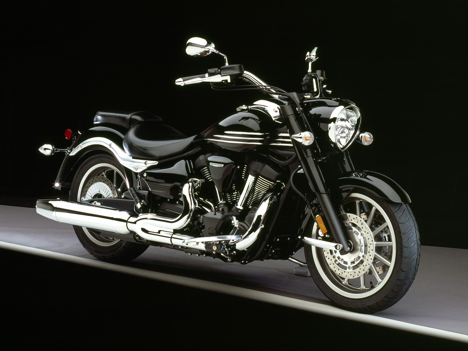 yamaha roadliner midnight-pic. 1