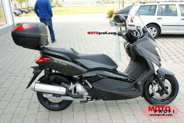 yamaha x max 125 abs business photos and comments. Black Bedroom Furniture Sets. Home Design Ideas
