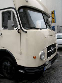 mercedes-benz lp 710